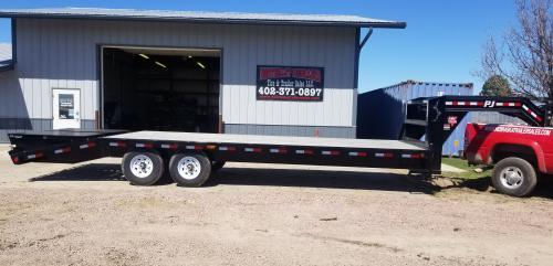 2019 PJ Trailers 26' Classic Flatdeck with Singles (FS) Flatbed Trailer
