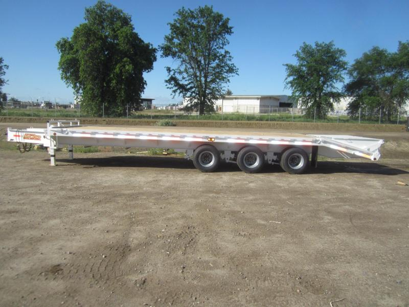 2017 Maxxd Trailers 30 X 102 -MAXXD 40K GN FLATBED Equipment Trailer