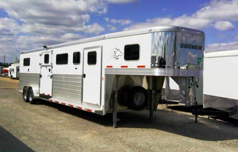 2014 Sooner Trailers 4 Horse Head to Head Trailer