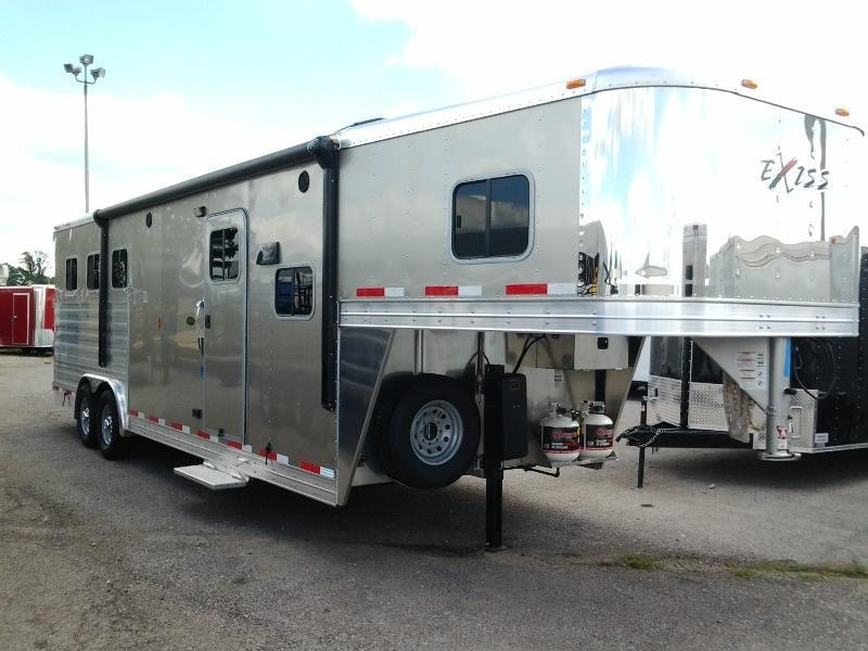 2015 Exiss 8310LQ Horse Trailer - BELOW COST
