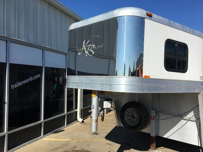 2002 Kiefer Built Weekender 3 Horse Trailer