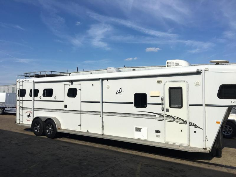 2004 Trails West Living Quarter Mid Tack 3 Horse Trailer