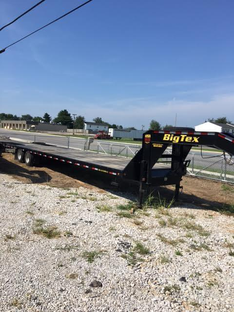 2015 Big Tex 22GN 40' Gooseneck Flatbed Hydraulic Dovetail Trailer
