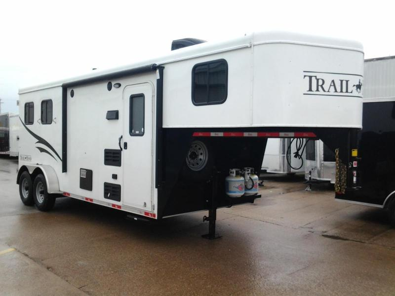 2016 Bison 2 Horse Trail Hand 6' Living Quarters Trailer