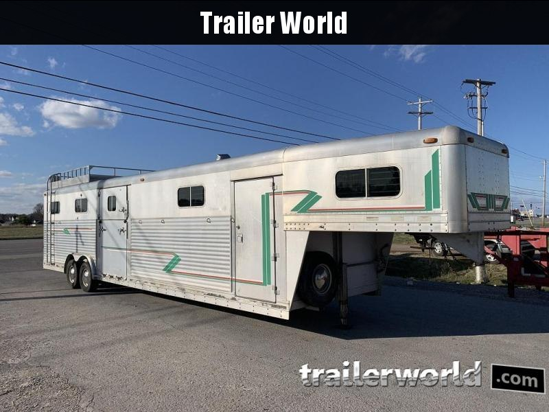 1995 4-Star Head to Head 6 Horse Trailer