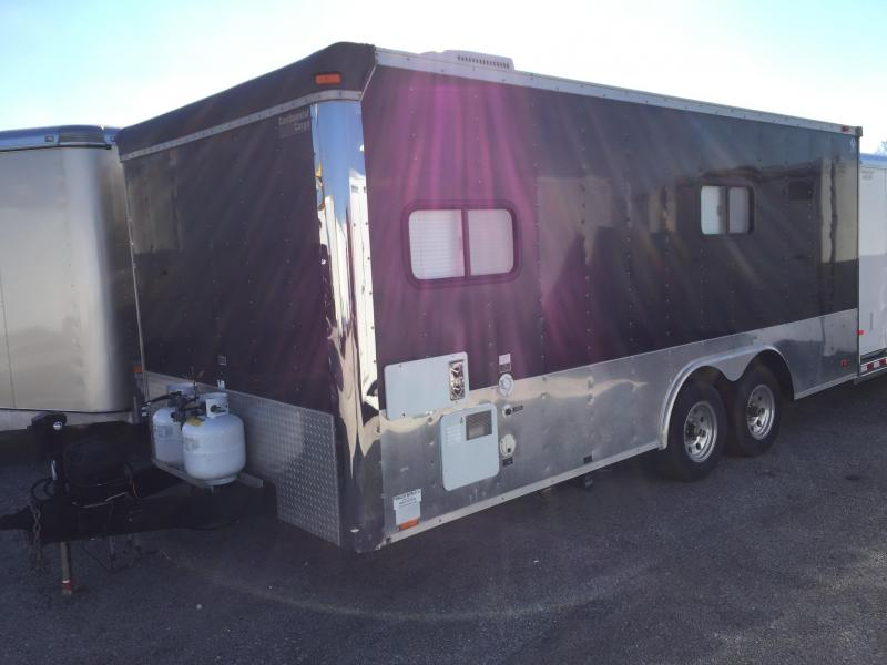 2002 Continental Cargo 18' Toy Hauler Camping Trailer