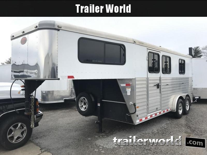 2014 Sundowner Gooseneck Slant 3 Horse Trailer