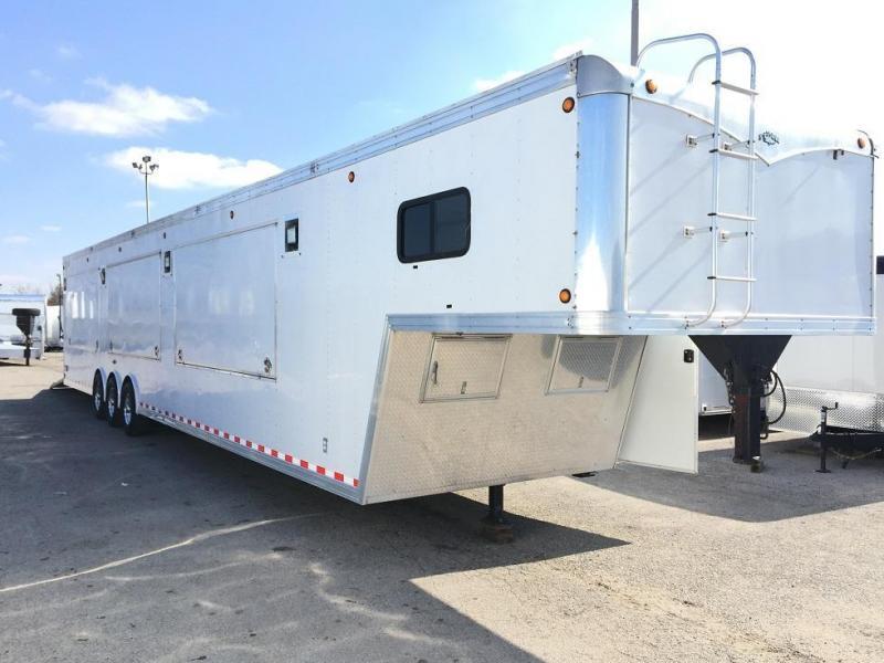 2000 Storm Trailers 48 Cyclone Enclosed Cargo Trailer