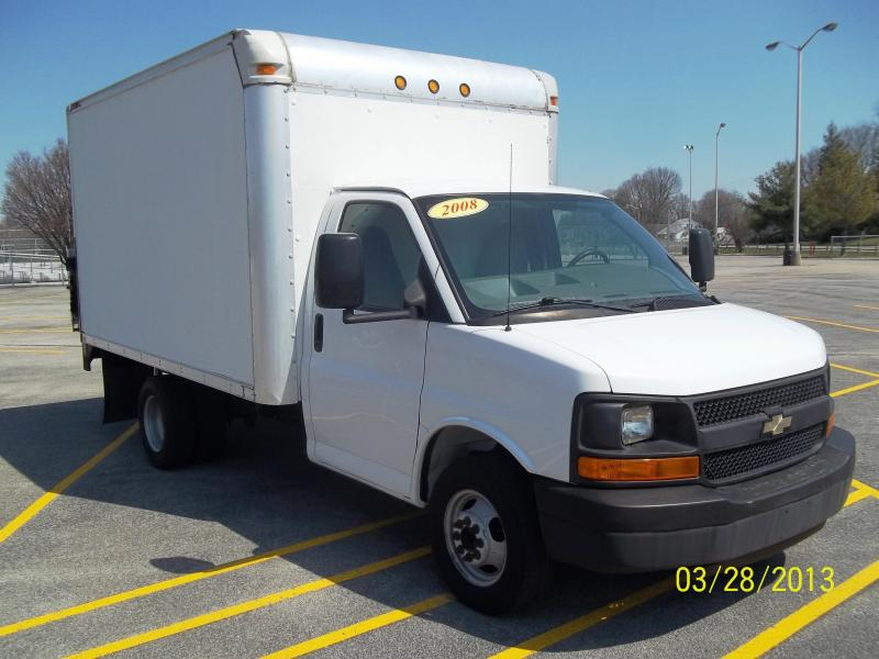2008 Chevrolet 3500 Box truck w/Liftgate
