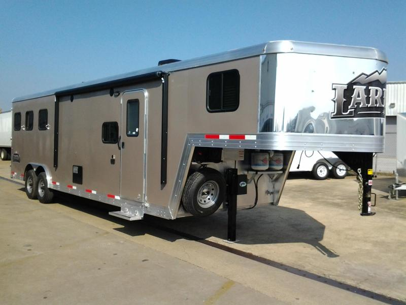 2015 Bison 8310 Laredo 3 Horse Living Quarters Trailer