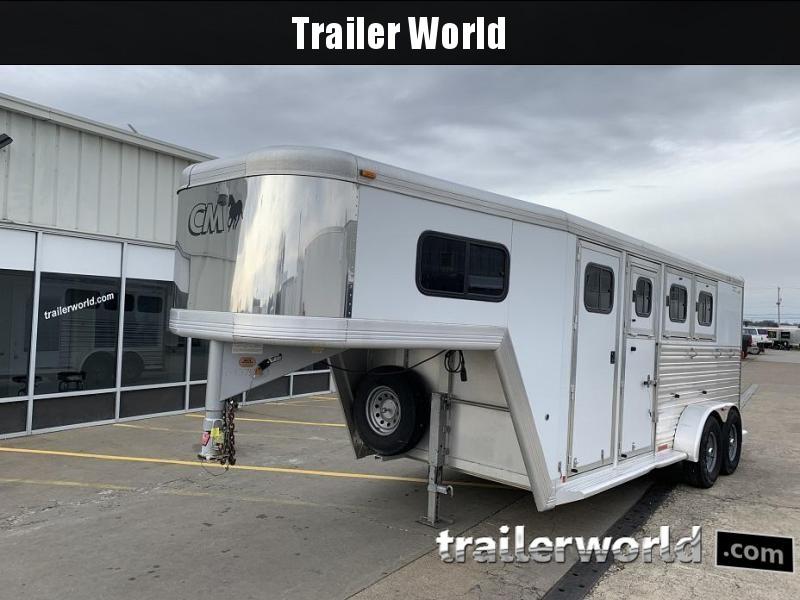 2001 CM Aluminum Slant Load 3 Horse Trailer
