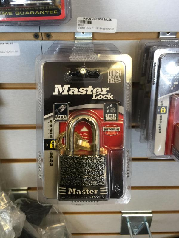 "Master Lock 1 1/8"" Shackle"