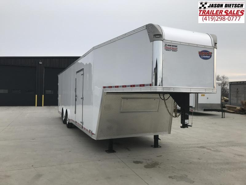 2019 United UXGH 8.5X36 Wide Body Gooseneck Tandem Axle Flat Top....Stock# UN-165696