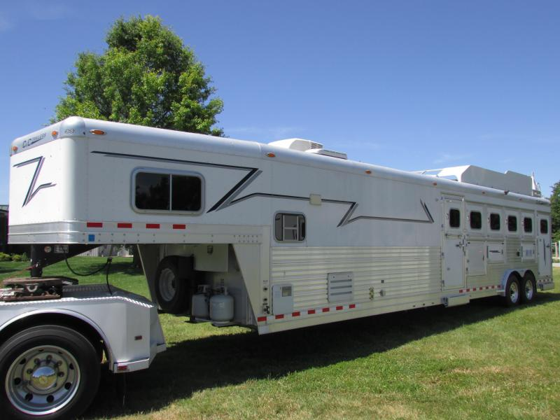 2006 C and C Trailers 5 HORSE LQ Horse Trailer