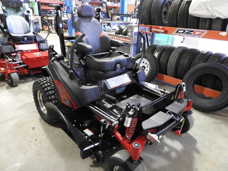 "2018 Ferris Mowers IS 3200 Midnight Edition 61"" Deck"