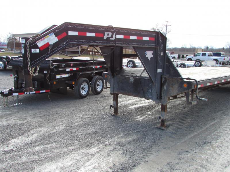 2013 PJ Trailers 32ft Gooseneck Equipment Trailer
