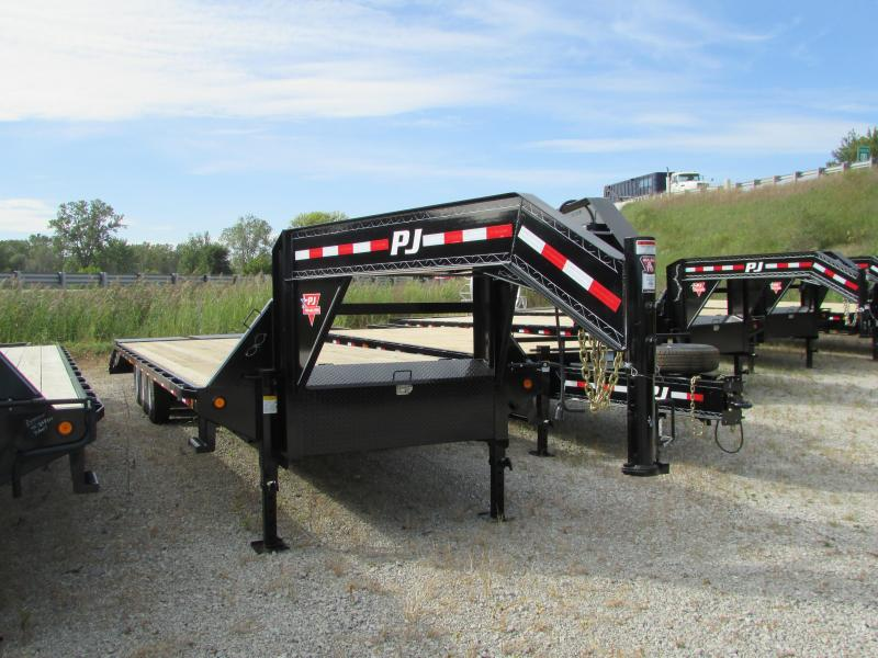 2018 PJ Trailers 32 Equipment Gooseneck Flatbed Trailer