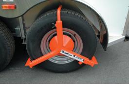 "Brahma Wheel Lock Model WL001 fits most 15"" and 16"" wheel/tire combinations."