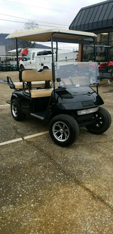 2012 E-Z-GO TXT Electric Golf Cart