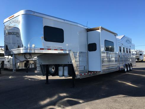 2013 Bloomer 4 Horse PC Load 17ft 9in Short Wall Horse Trailer