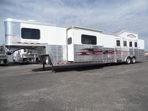 2010 Bloomer 4H 17' SW Horse Trailer