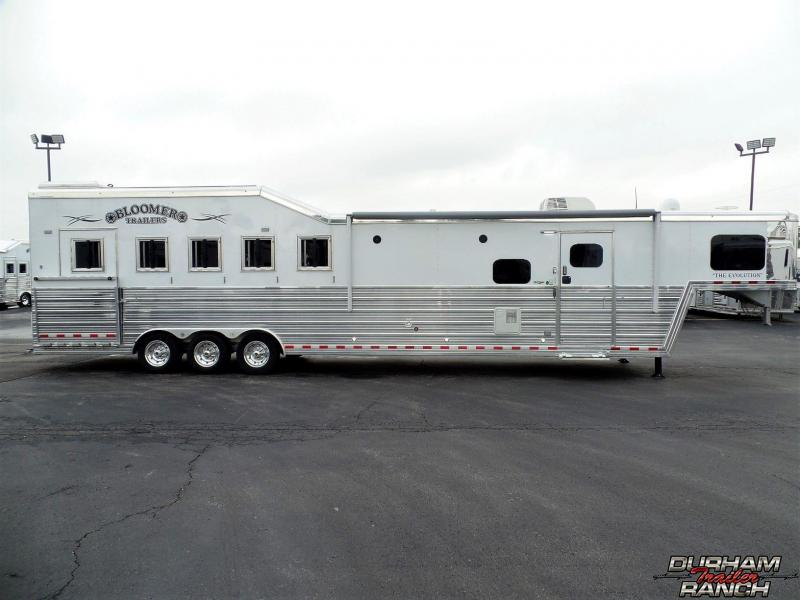2018 Bloomer 5H PC Load 14 SW LQ Horse Trailer