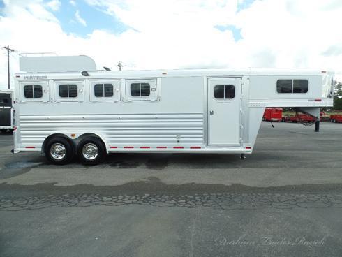 2013 Platinum 4 Horse Dressing Room