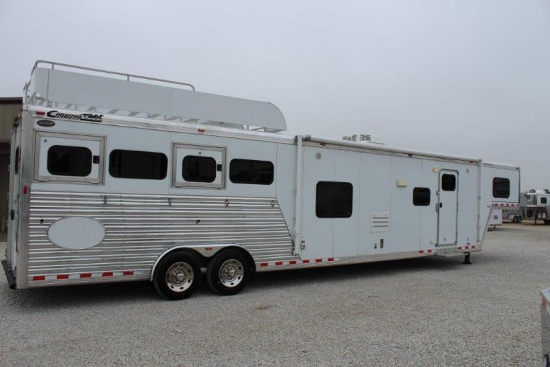 2007 Cimarron 4 horse with 18