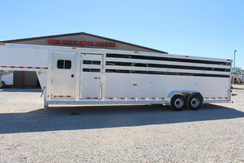 2013 Barrett Trailers stock combo Livestock Trailer