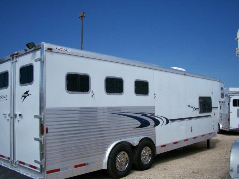 2005 Exiss 2 horse with 9