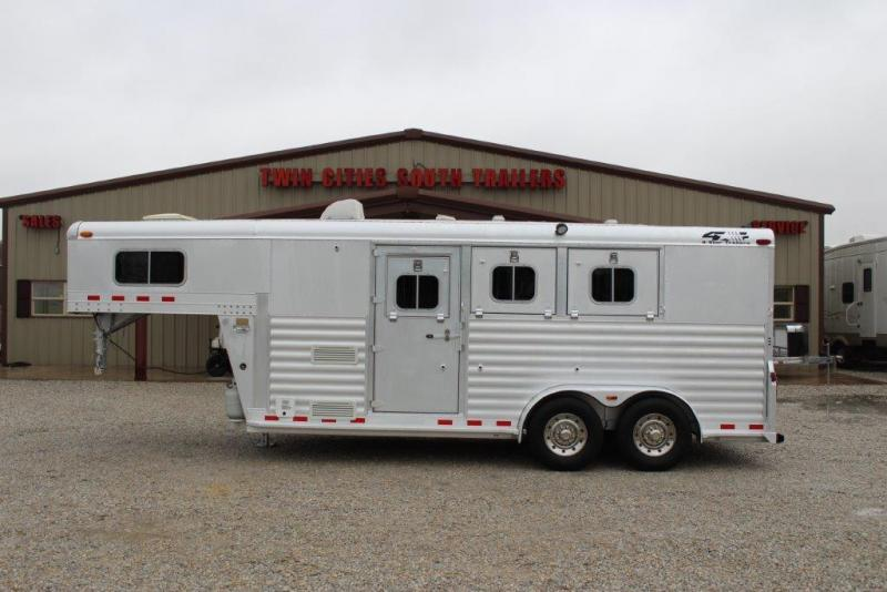 2004 4-Star 3 horse with Weekender