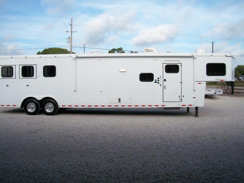 2014 Sundowner Trailers Horizon Horse Trailer