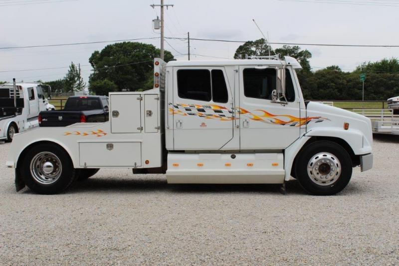 1997 Freightliner 6 Speed Truck