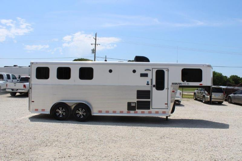 2016 Sundowner Trailers Horizon Horse Trailer