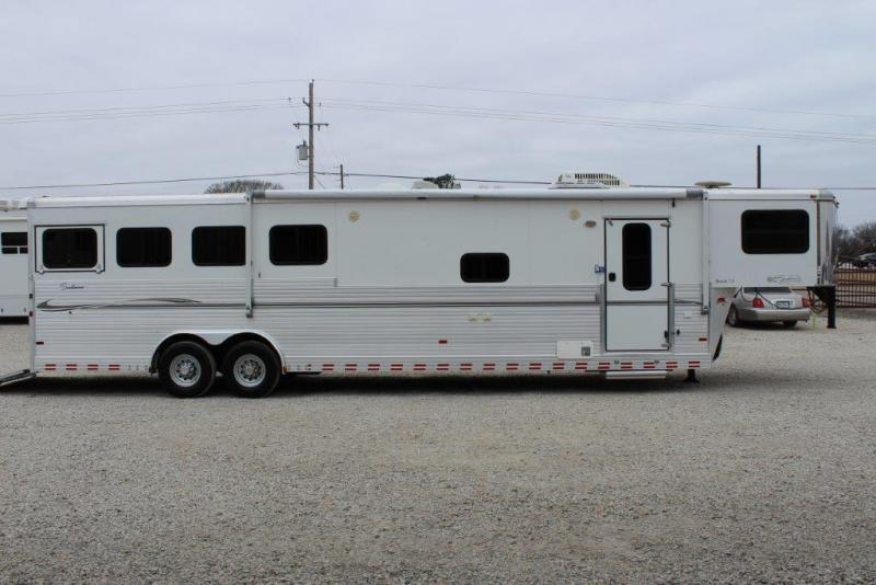 2007 Sundowner 4 horse with 12