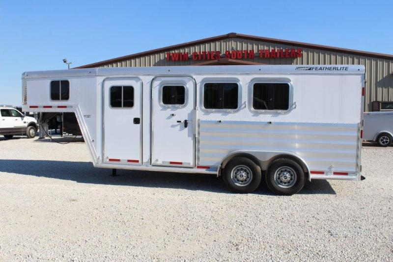2017 Featherlite 8541 Horse Trailer