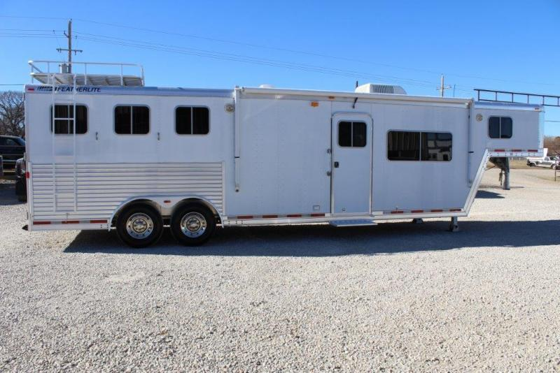 2003 Featherlite 3 horse with 13