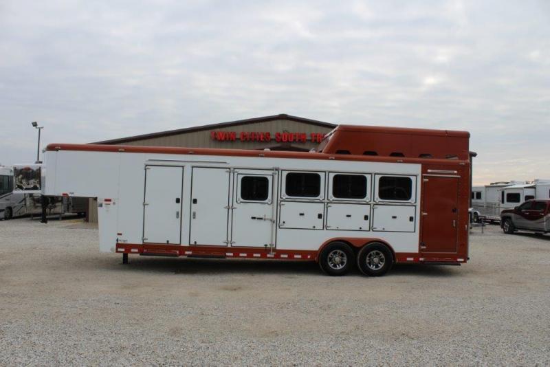2012 Sundowner 4 horse Mid Tack & Dressing Room Gooseneck