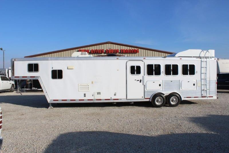 2005 Featherlite 4 horse with 15
