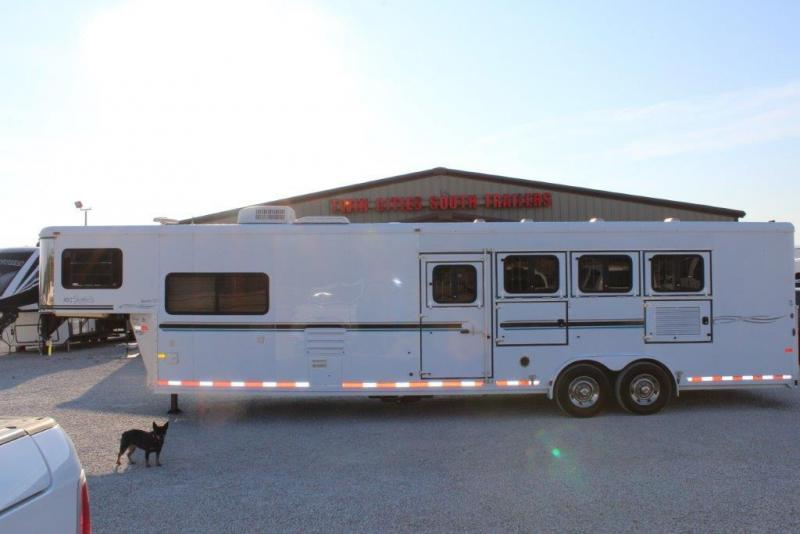 2006 Sundowner 4 horse with 12' Living Quarter