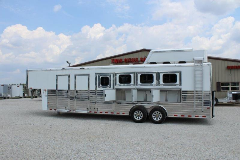 2018 Sundowner 4 horse with Mid Tack