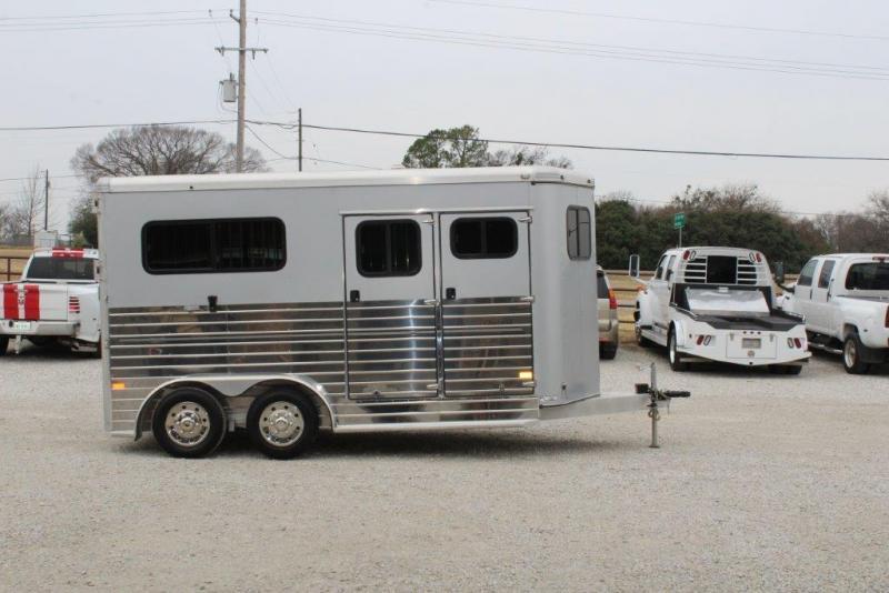 2014 Sundowner 2 horse bumper pull