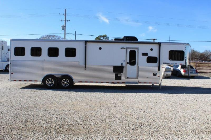 2018 Sundowner 4 horse with 11