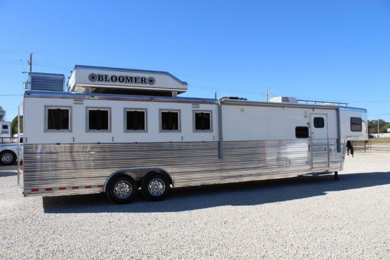 2008 Bloomer 5 horse with 13