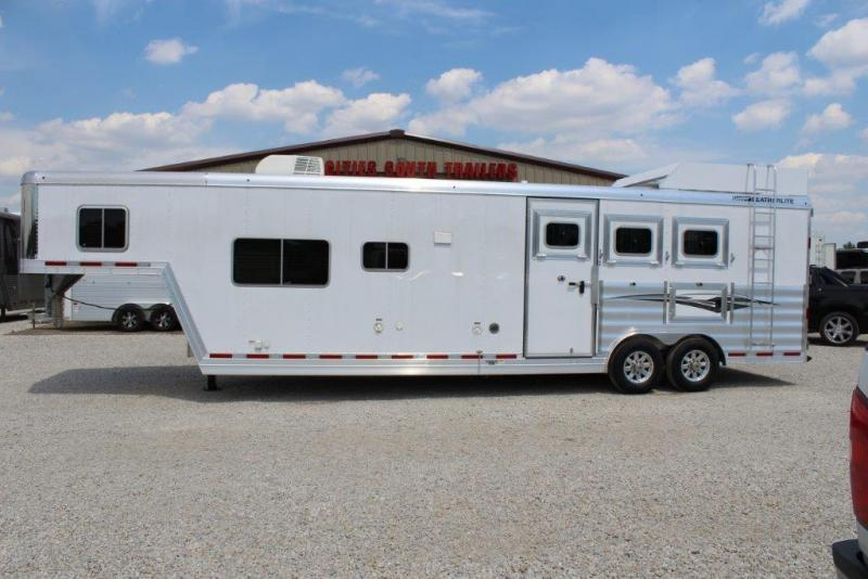 2017 Featherlite 3 horse with 13