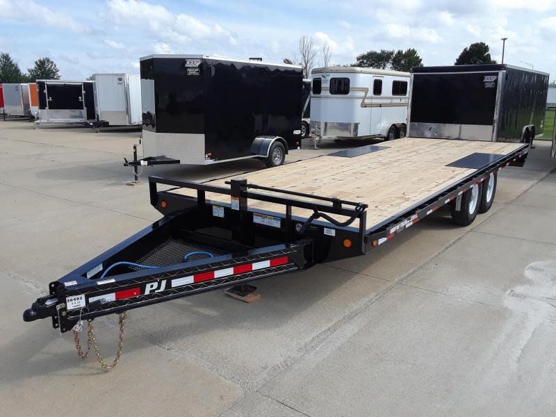 2019 PJ Trailers F8222 Flatbed Trailer