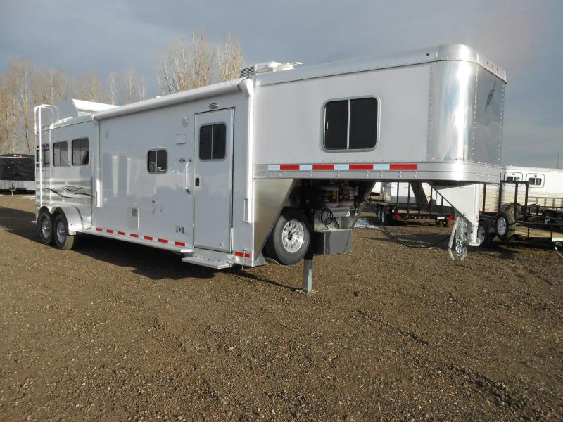 2017 Featherlite 8533 3 Horse 10' Living Quarter Trailer