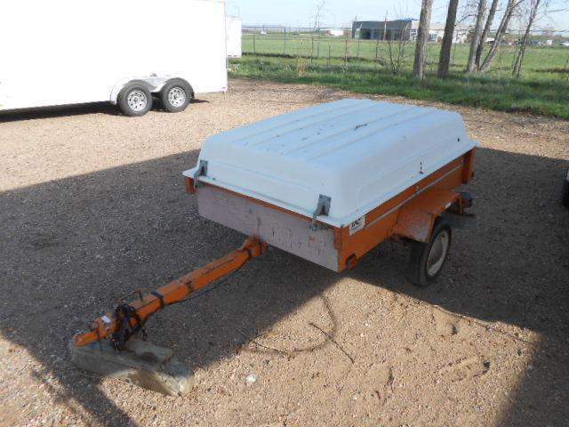1980 4'W x 6'L UTILITY TRAILER WITH FIBERGLASS TOP TILT DECK Utility Trailer