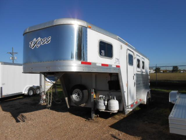 2007 Exiss XT200 - 2 Horse Living Quarters Trailer