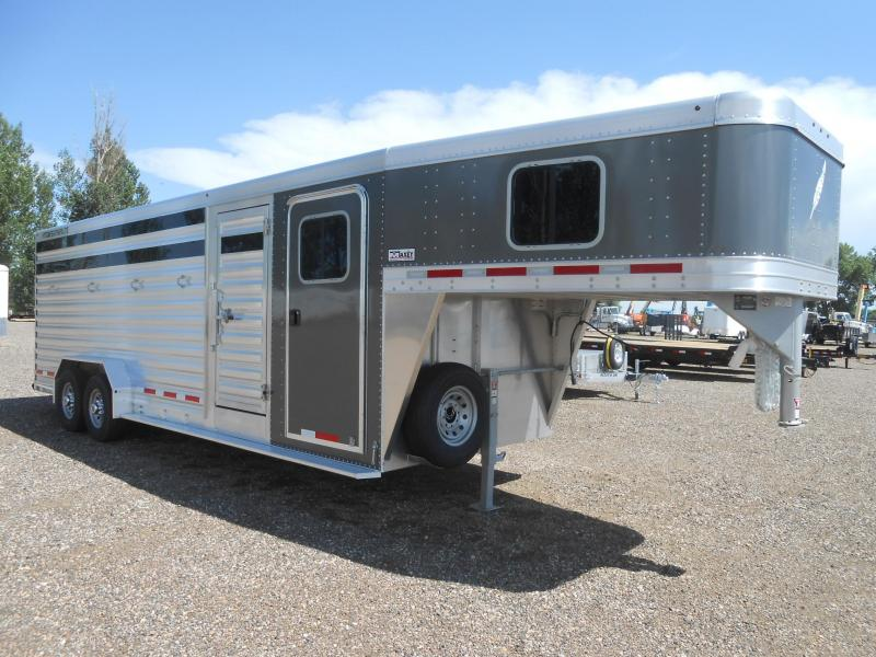 2020 Featherlite 8413-24ft Livestock Trailer